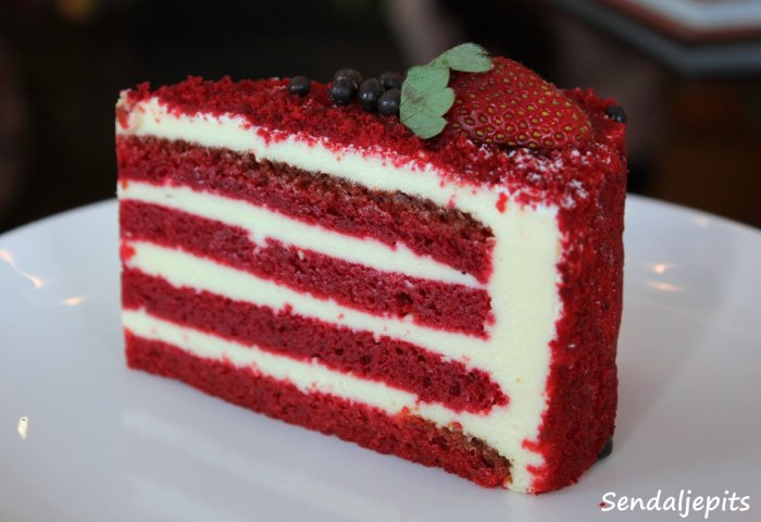 Red Velvet By Harvest I Dont Know Why This Cake Is So Hap Flickr