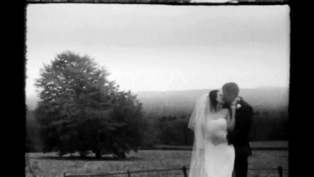 Super 8 Wedding Film TRI X Super 8 kiss