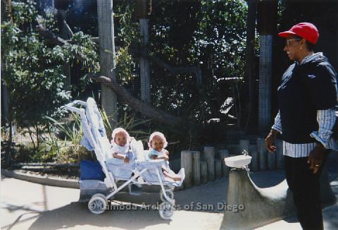 P125.015m.r.t Marti Mackey with Nakia and Natasha Taylor at the San Diego Zoo
