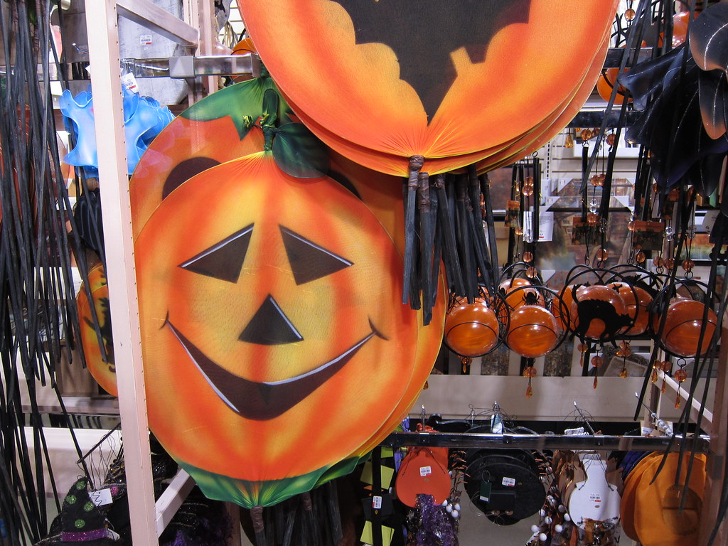 Get inspired to spookify your home, plan for a fun party and celebrate the halloween season in style! Gordmans Store Halloween Decor 7 21 12 04 Anothertom Flickr