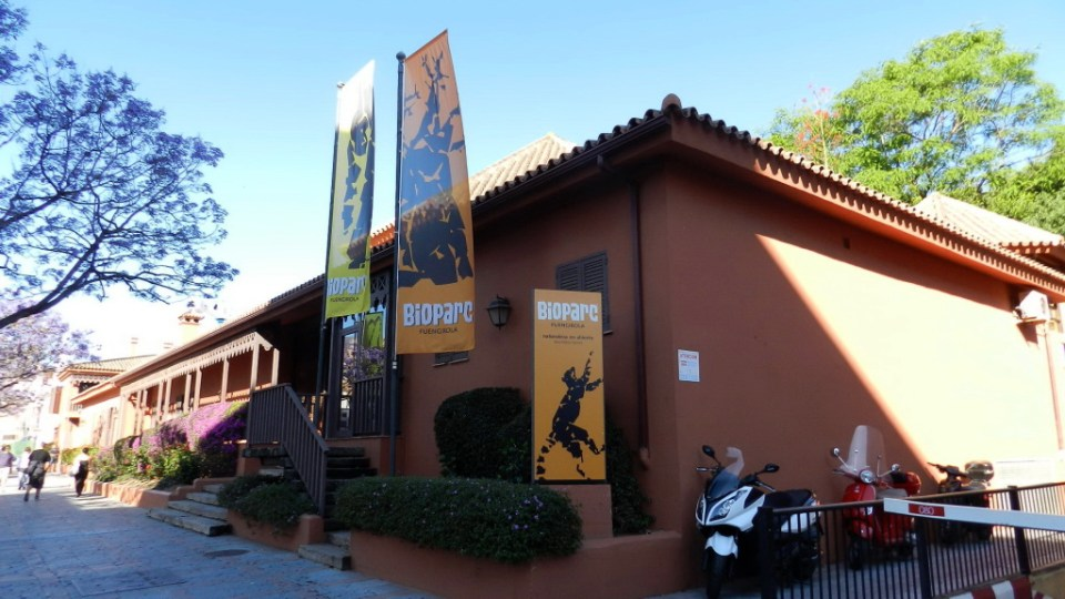 Edificio de entrada Bioparc Zoo Fuengirola Malaga 01