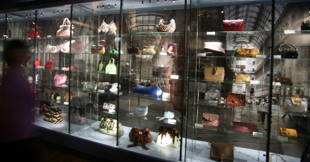 bag and purse museum (135)