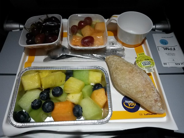 Lufthansa inflight meal - Special Meal Fruit