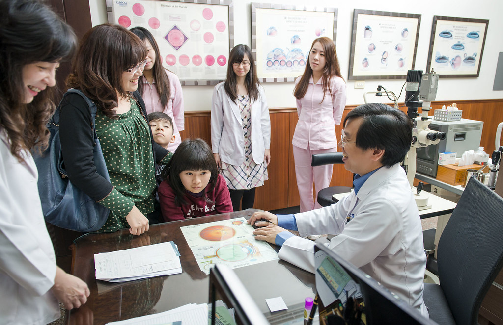 [高雄眼科推薦]高雄角膜塑形:陳征宇眼科諮詢心得分享 (7)   芳郁麻麻   Flickr