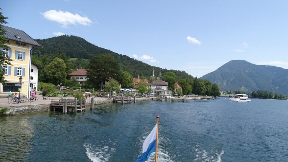 embarcadero de Tegernsee y lago Tegernsee Baviera Alemania 07