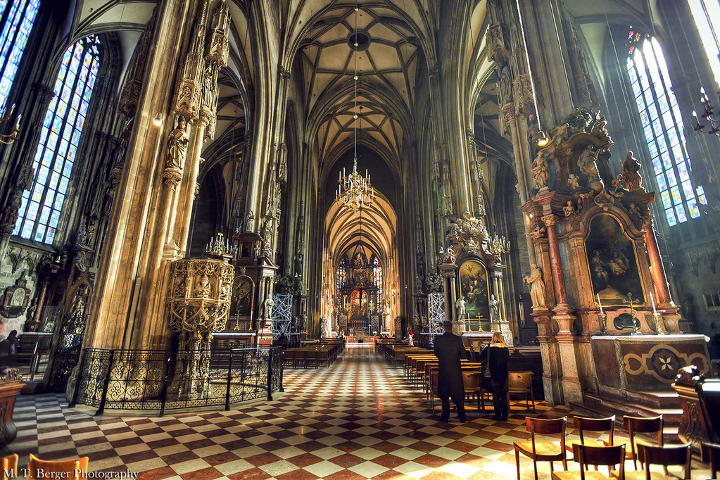 Stephansdom Inside The St Stephen S Cathedral In Vienna