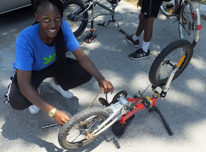 2016 04 McMurchy Community Bike Clinic_700