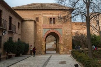 Via deze Puerta del Vino (wijn poort) kom je in het fort. De alcazaba (Kasbah).