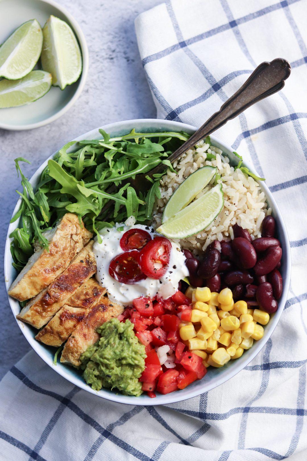 Bunte Salat-Bowl