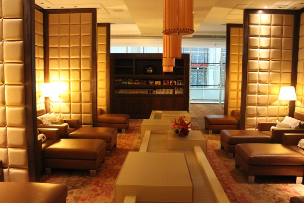 Review: Emirates First Class Lounge Dubai - Live and Let's Fly