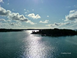 Stockholm Archipelago consists of nearly 30,000 islands! Can you imagine living on one of them or just having your summer house?