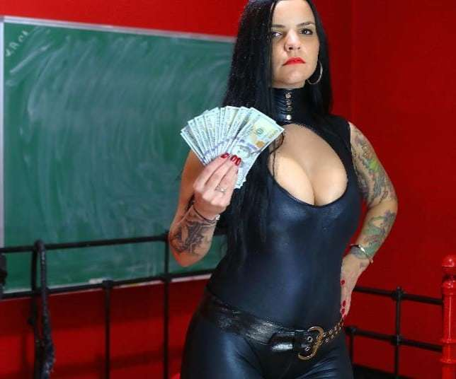 fin dom, financial domination on cam