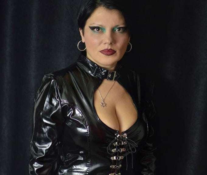 older mistress, older femdom cams,