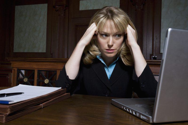 8 Tips to Survive Divorcing a Narcissist