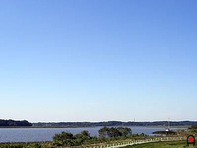 双子公園から印旛沼の青空