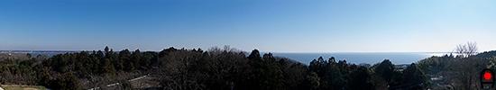 かすみがうら市郷土資料館から霞ヶ浦の眺めの写真