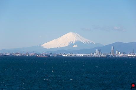 海ほたるから富士山の写真