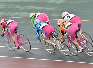 女子競輪の股の部分