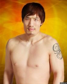 チェ・ホンマンが大阪で暮らしてパチンコをしている (1)