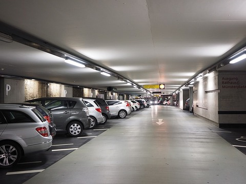 multi-storey-car-park-1271919_640