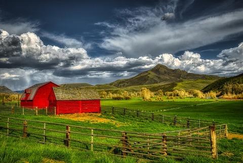 squaw-mountain-4050221_640