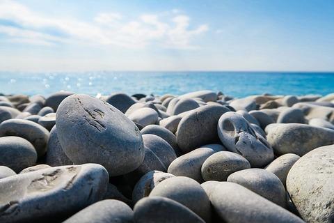 rocks-1150021_640