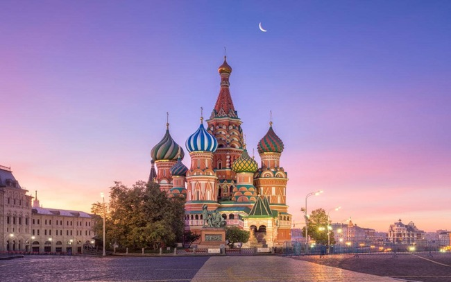 Moscow-travel-AP98512768-xlarge