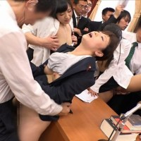 国会中継中に女性議員を犯してるエロ画像
