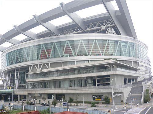 1200px-Saitama_Super_Arena-2005-9-11_1_R