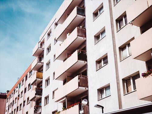 condominium_contemporary_daylight_daytime-1533029_R