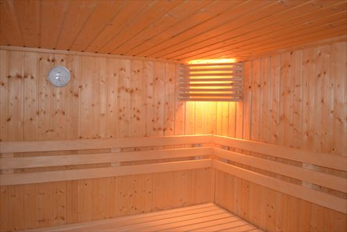 sauna-253938_1280_R