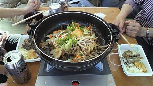 800px-美酒鍋(bisyonabe)_R