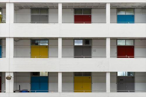 apartment-building-918409_640_R