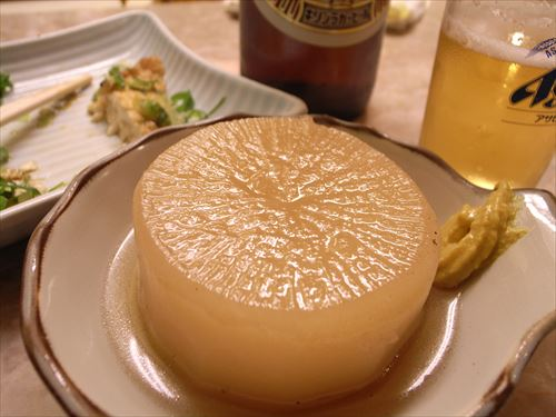 Daikon_oden_and_Beer_by_shrkflickr_in_kyoto_R