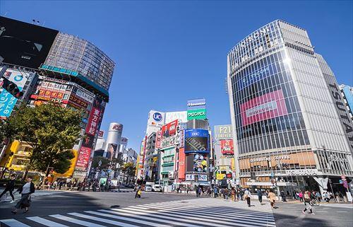 800px-2018_Shibuya_Crossing_R