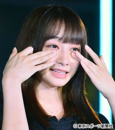 【悲報】秋元康プロデュース「劇団4ドル50セント」この2か月で6人退団、メンバー涙で決意表明