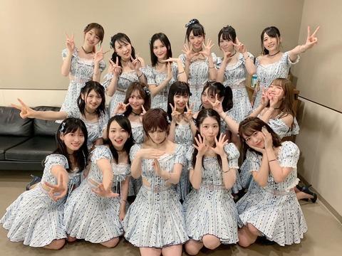 【画像】最新純AKB48選抜16人の集合写真キタ━━━(゚∀゚)━━━!!