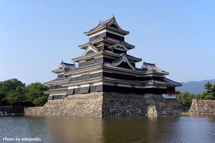 800px-130608_Matsumoto_Castle_Matsumoto_Nagano_pref_Japan02bs4