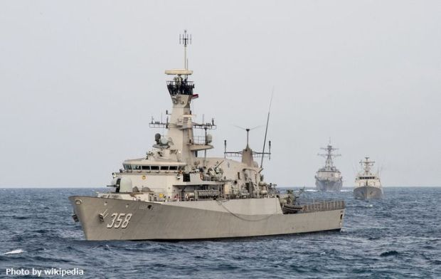 Indonesian_corvette_KRI_John_Lie_(358)_at_sea_in_August_2015