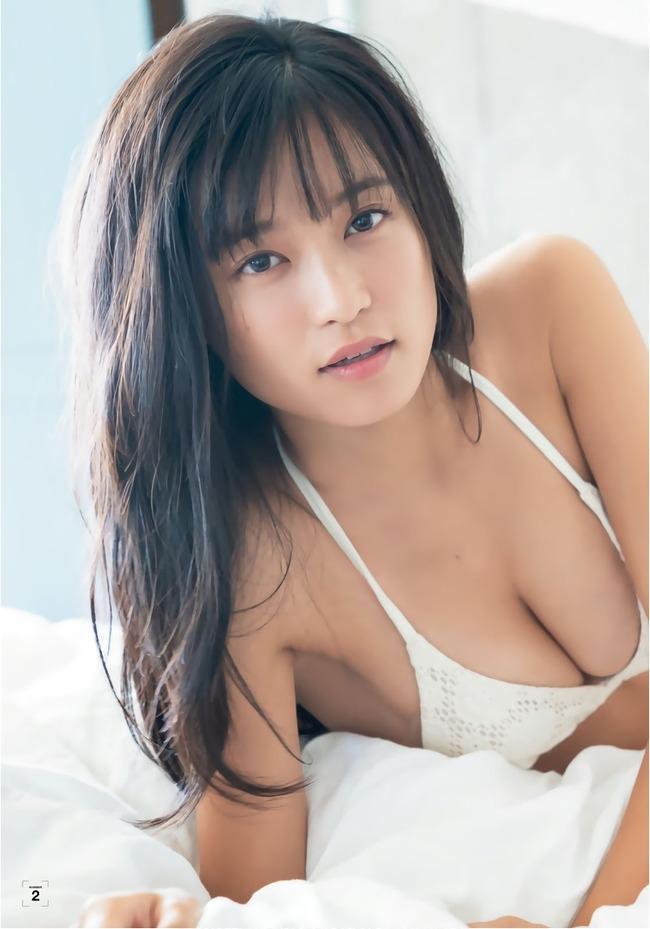 小島瑠璃子 グラビア (17)