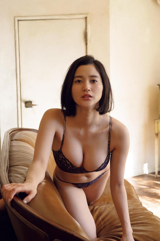 出口亜梨沙 グラビア (18)