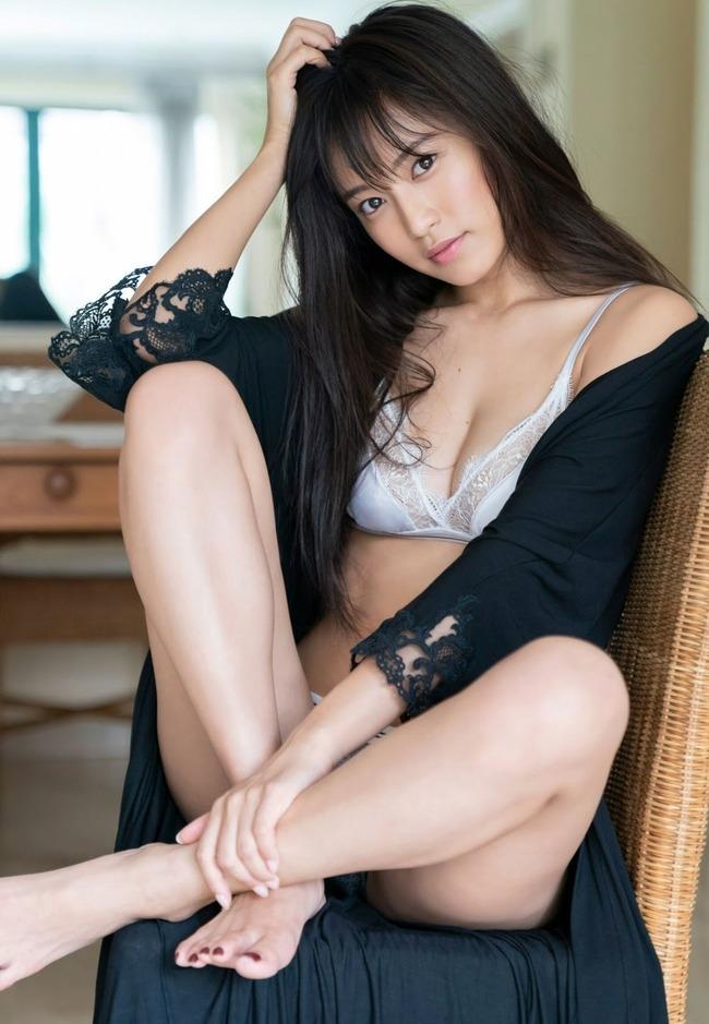 小島瑠璃子 グラビア (33)