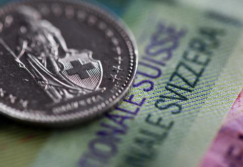 スイス中銀の為替介入