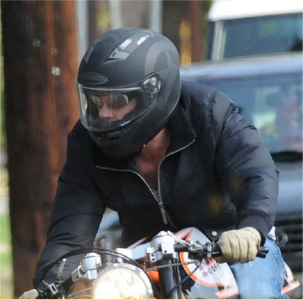 ブラッド・ピット-バイク-3