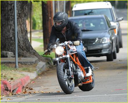 ブラッド・ピット-バイク-2