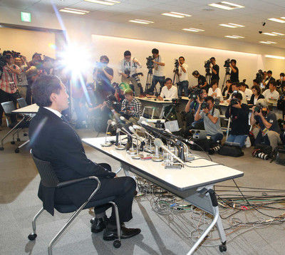 貴乃花親方突然の引退会見に報道陣約300人殺到会見前から異様な雰囲気