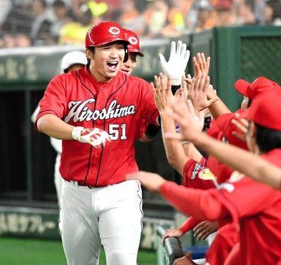 広島・丸&鈴木、2人で7安打5打点!19安打10点、東京Dで巨人ボッコボコ