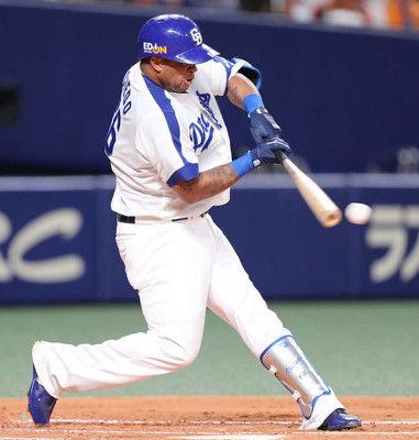 中日ビシエド、セ界新の月間47安打!先制適時打でプロ野球記録に王手
