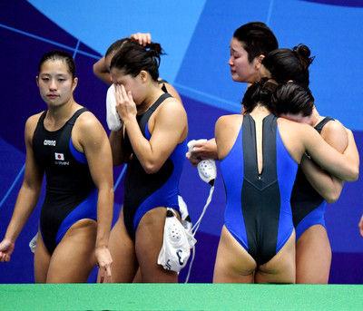 大会前揺れた水球女子、中国に完敗V遠のき、選手号泣