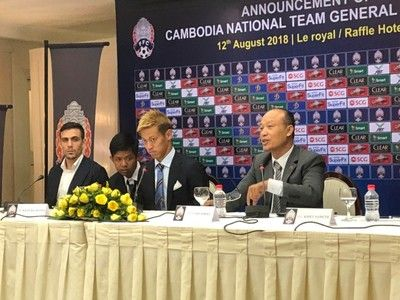 本田圭佑が前例のない挑戦へ…実質的なカンボジア代表監督に就任!